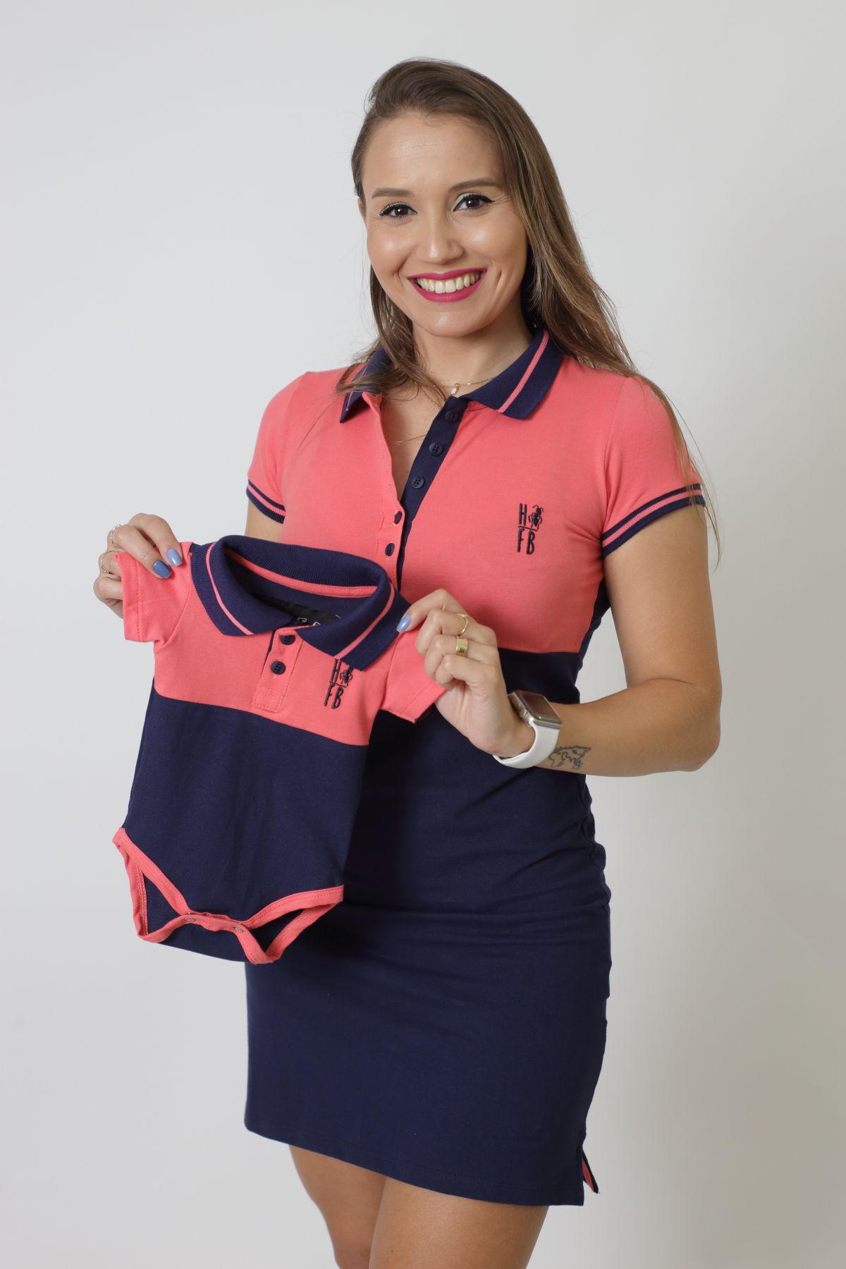 MÃE E FILHO > Kit 02 peças Vestido + Body Unissex Polo - Goiaba com Marinho PREMIUM