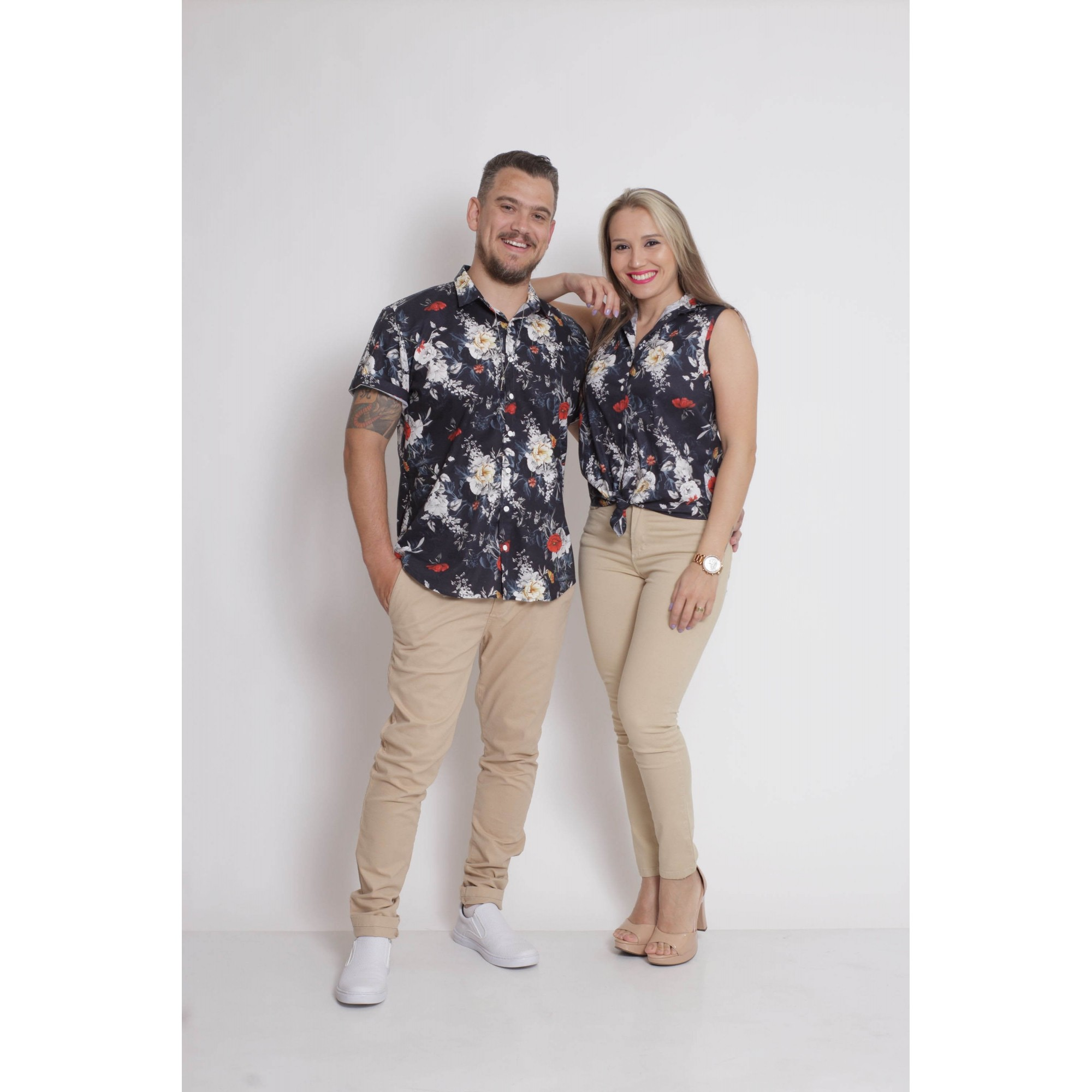 NAMORADOS > Kit 02 Peças Camisas manga Curta Preta Floral [Coleção Namorados]