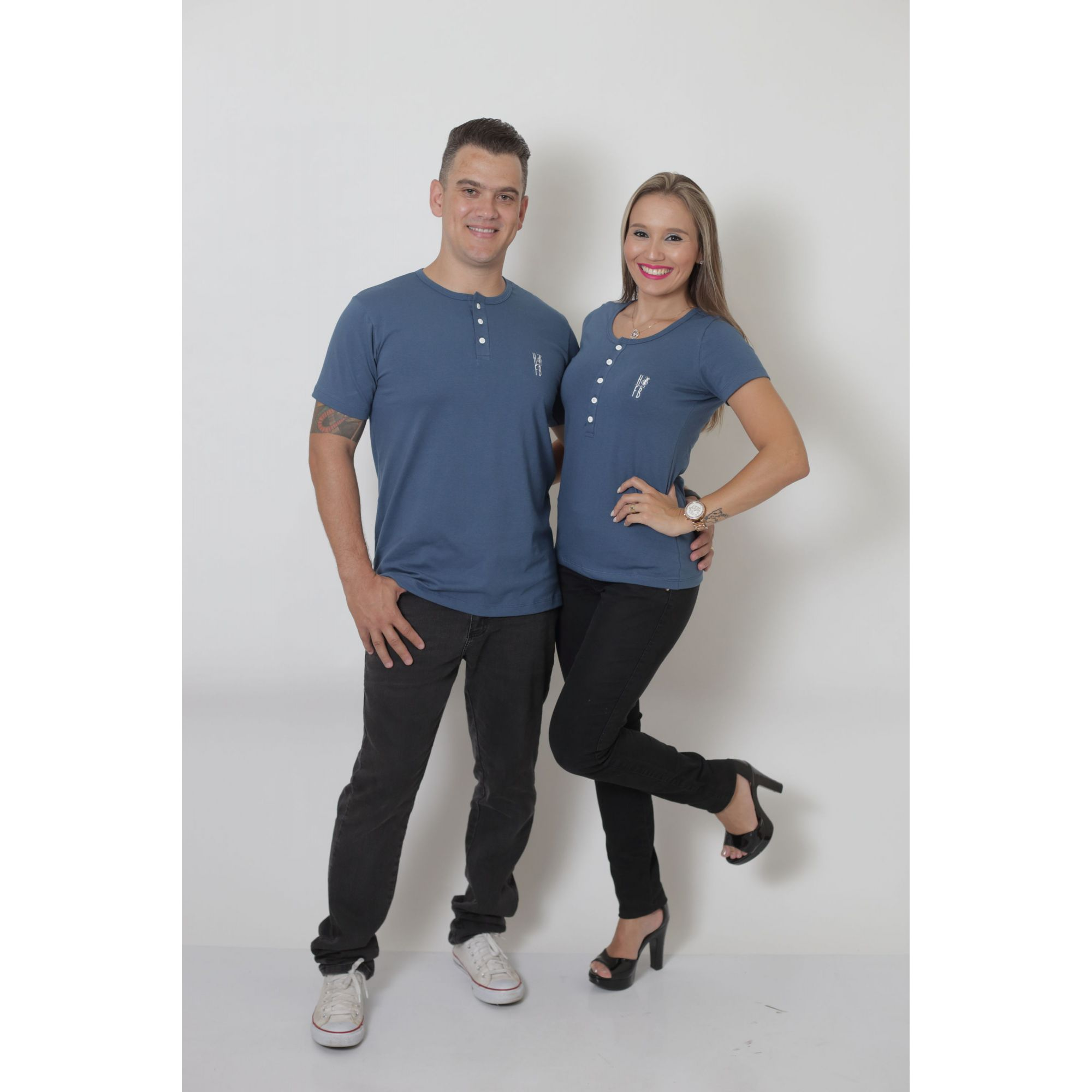 NAMORADOS > Kit 02 Peças T-Shirt Henley Azul Petróleo Masculina + Feminina [Coleção Namorados]  - Heitor Fashion Brazil