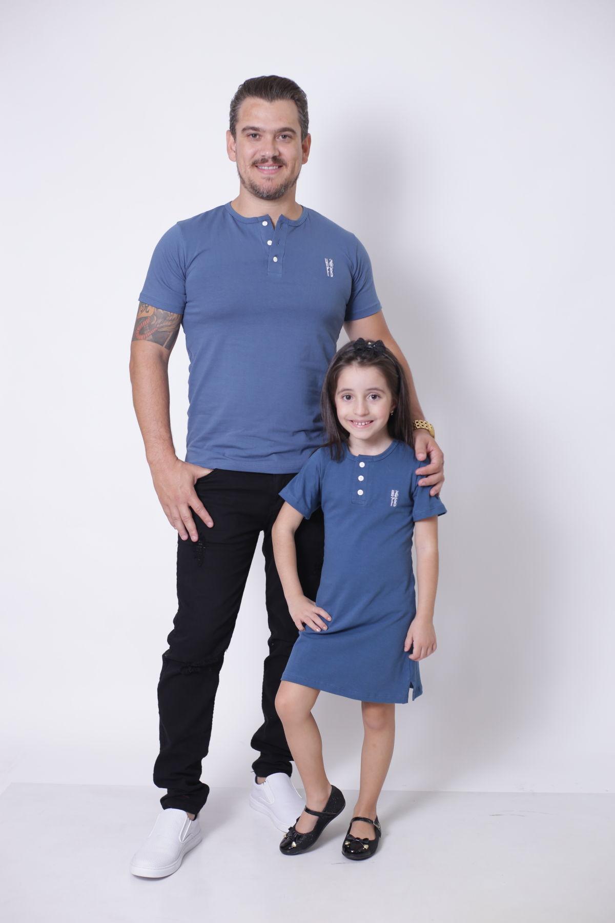 PAI E FILHA > 02 Peças - T-Shirt + Vestido Infantil - Azul Petróleo  [Coleção Tal Pai Tal Filha]  - Heitor Fashion Brazil