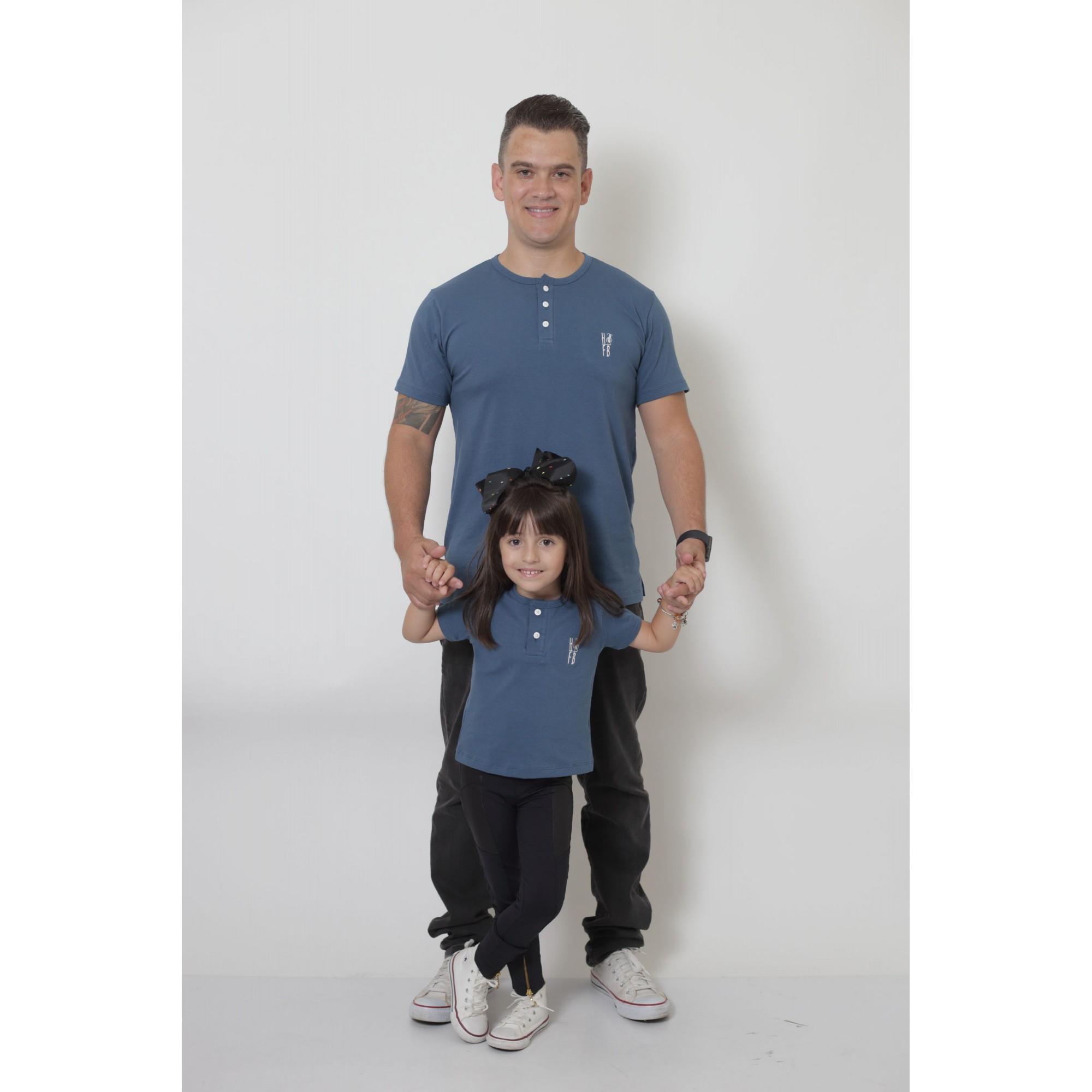 PAI E FILHA > 02 T-Shirts ou Body Henley - Azul Petróleo  [Coleção Tal Pai Tal Filha]