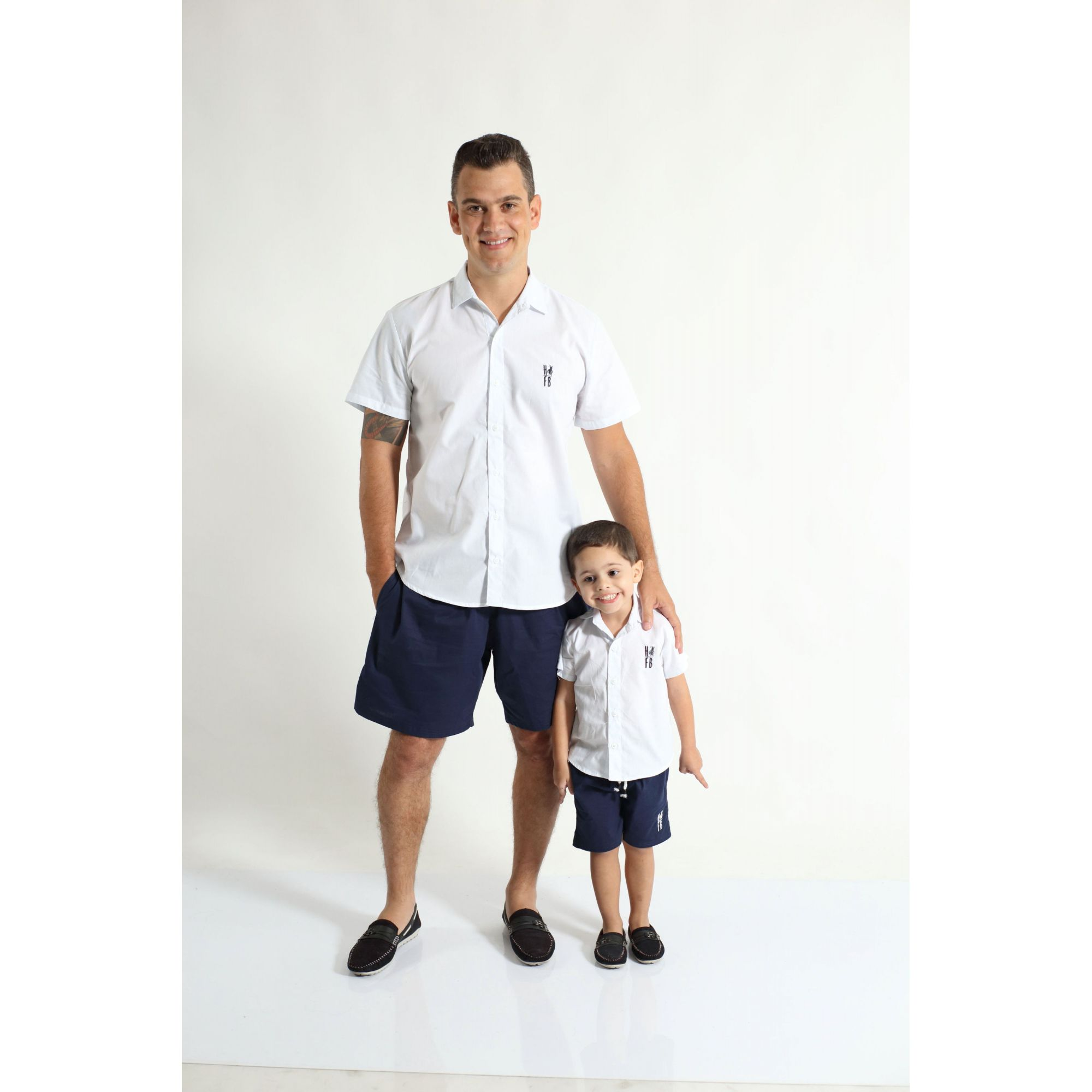 68035fc0a PAI E FILHO   Kit 02 Camisas Manga Curta Branca  Coleção Tal Pai Tal Filho  ...