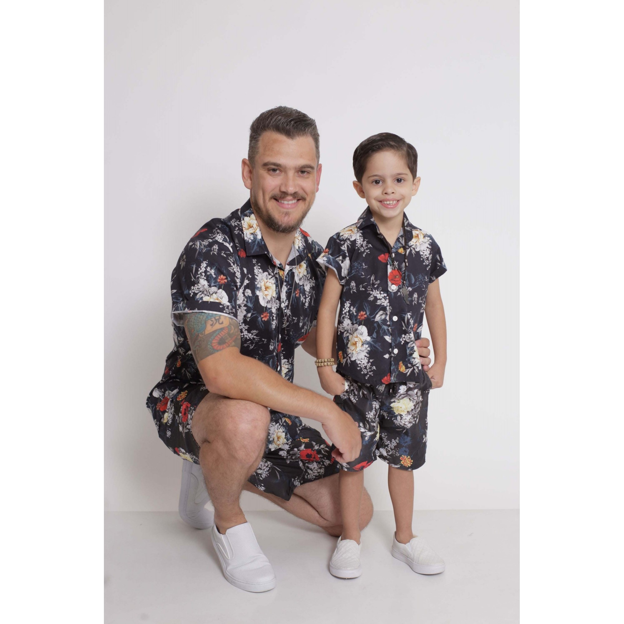PAI E FILHO > Kit 02 Camisas Manga Curta Preta Floral  [Coleção Tal Pai Tal Filho]  - Heitor Fashion Brazil