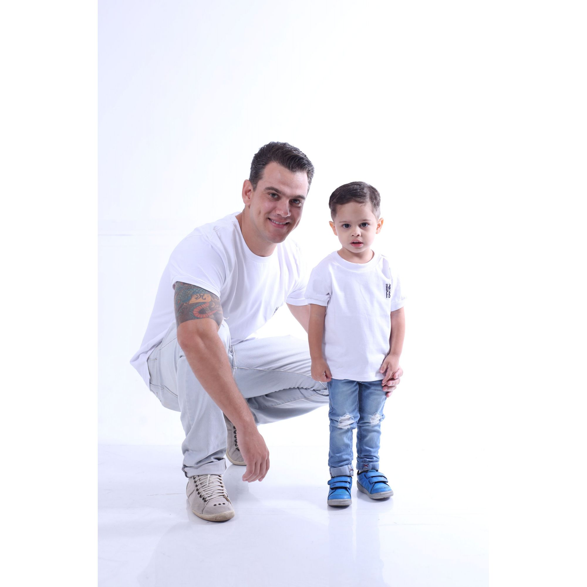 PAI E FILHO > Kit 02 Camisetas Branca Malha Menegotti  [Coleção Tal Pai Tal Filho] - Premium
