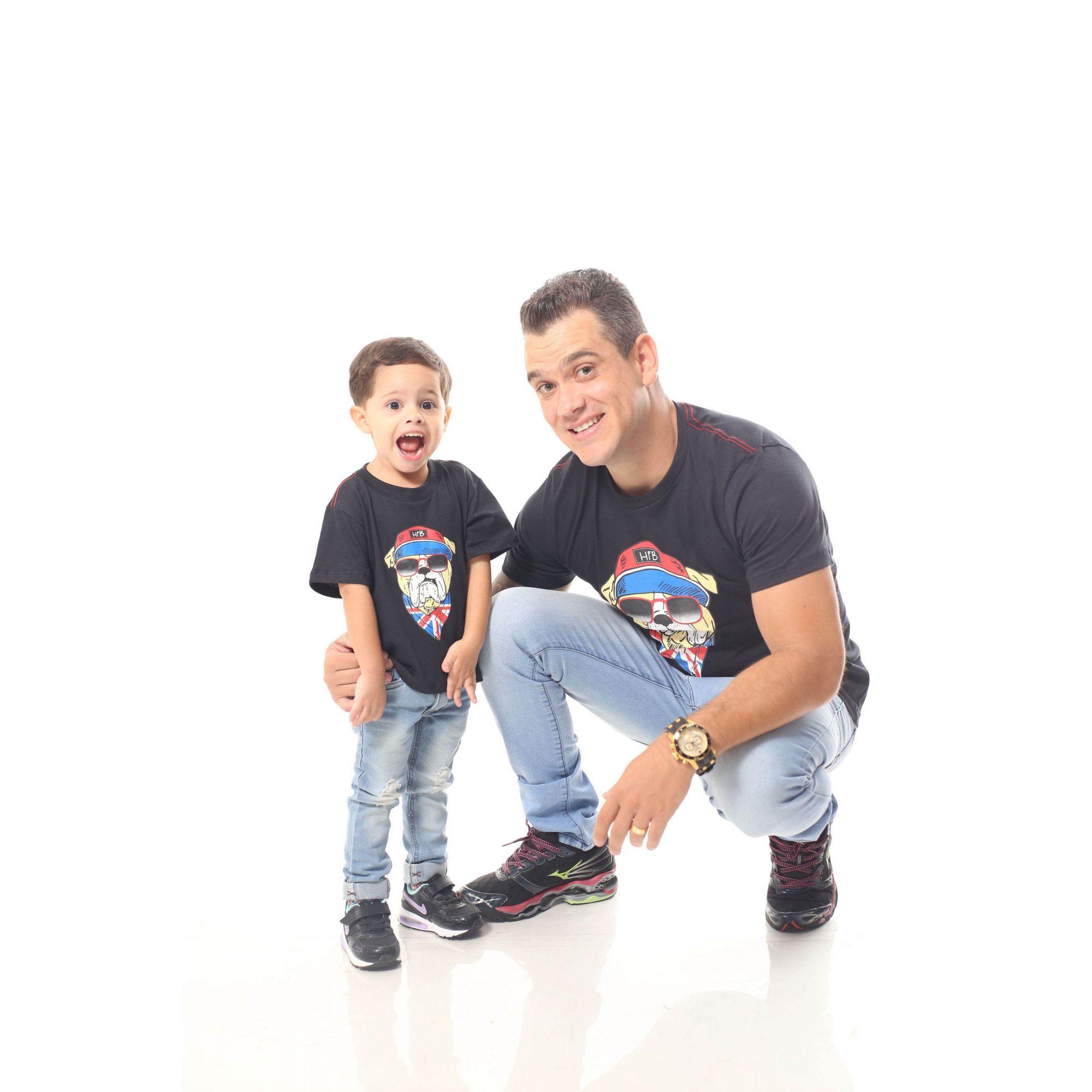 PAI E FILHO > Kit 02 Camisetas Pretas com Estampa de Cachorro Bulldog Inglês [Coleção Tal Pai Tal Filho]