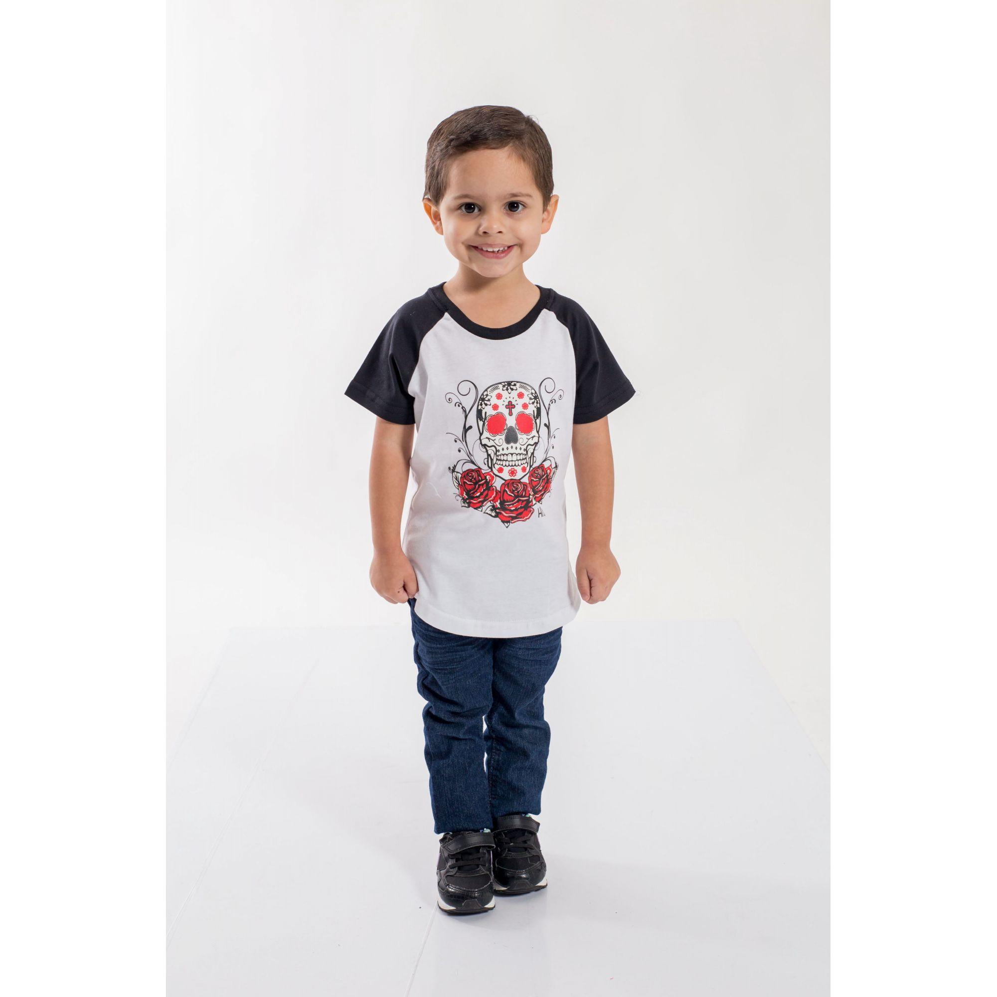 PAI E FILHO > Kit 02 Camisetas Raglan Long Brancas com Mangas Pretas e Estampa de Caveiras [Coleção Tal Pai Tal Filho]  - Heitor Fashion Brazil