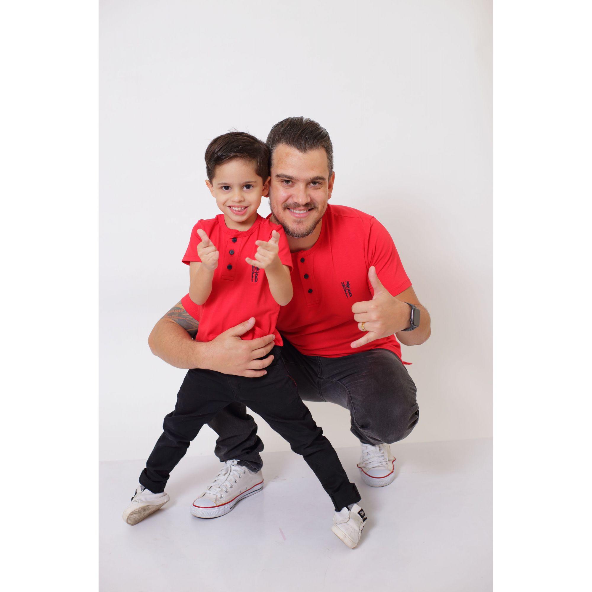 PAI E FILHO > T-Shirt Adulto  + T-Shirt ou Body Infantil - Henley - Vermelho  [Coleção Tal Pai Tal Filho]  - Heitor Fashion Brazil