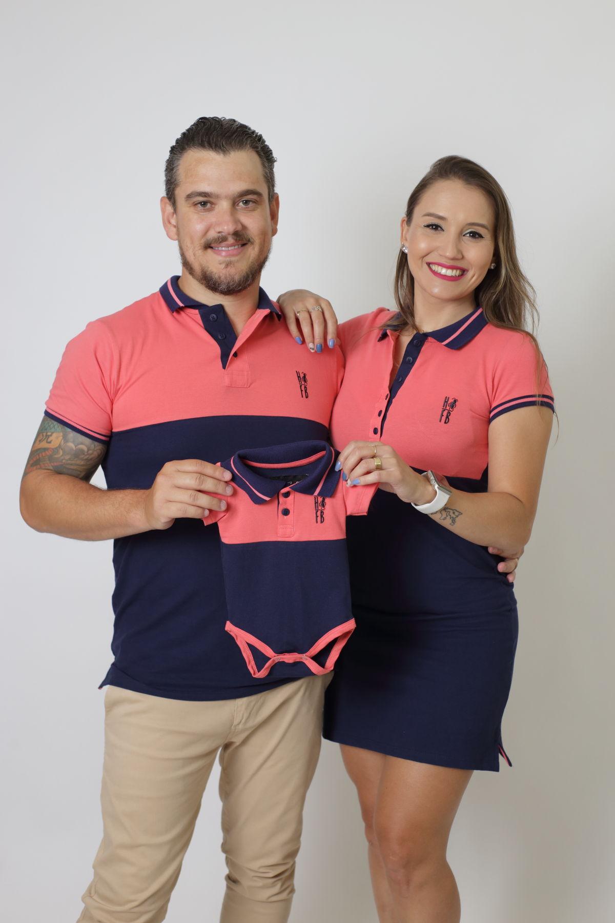 PAIS E FILHOS > Kit 3 peças - Camisa + Body Unissex + Vestido Polo - Goiaba com Marinho PREMIUM