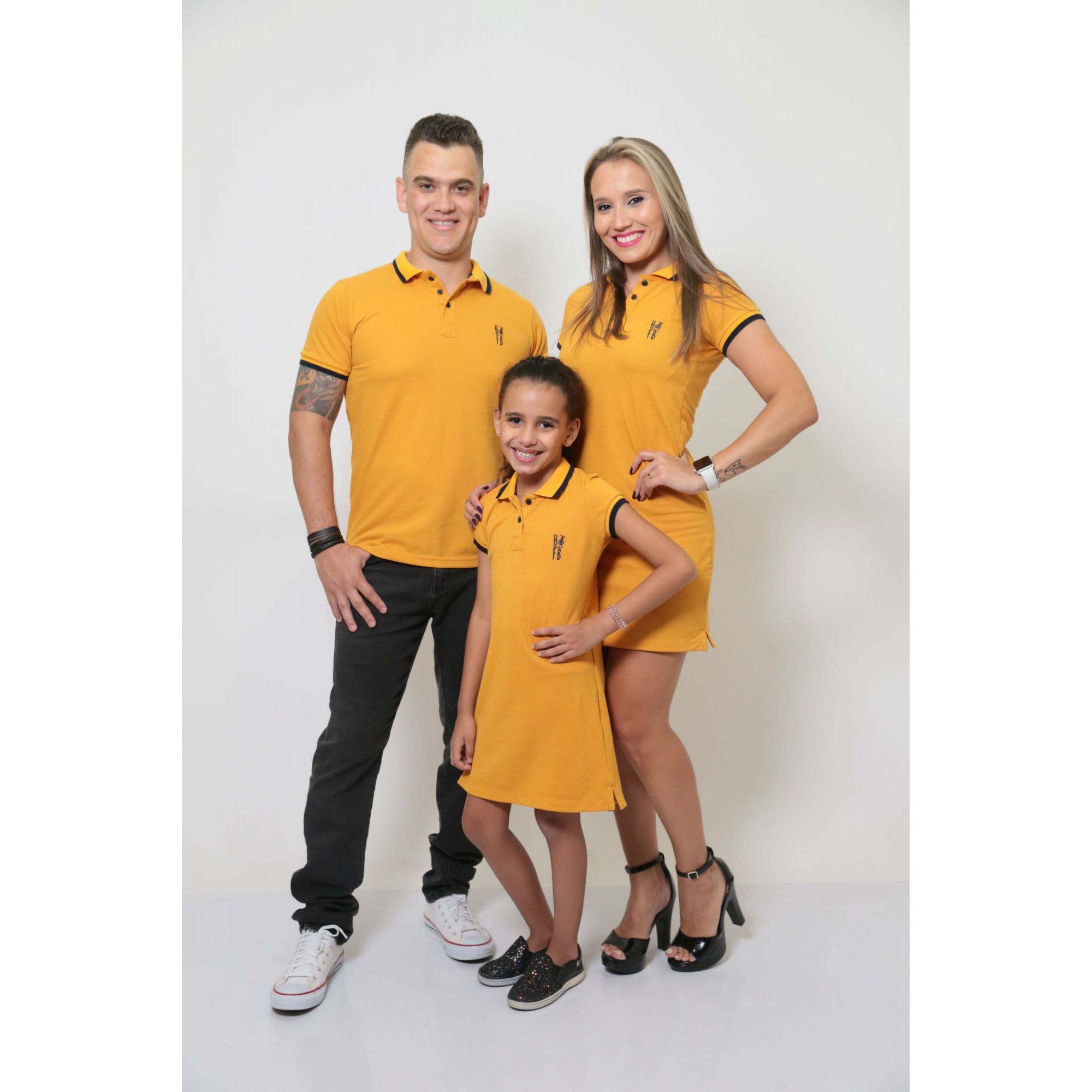 PAIS E FILHOS > Kit 3 peças Camisa e Vestidos Polo Mostarda [Coleção Família]