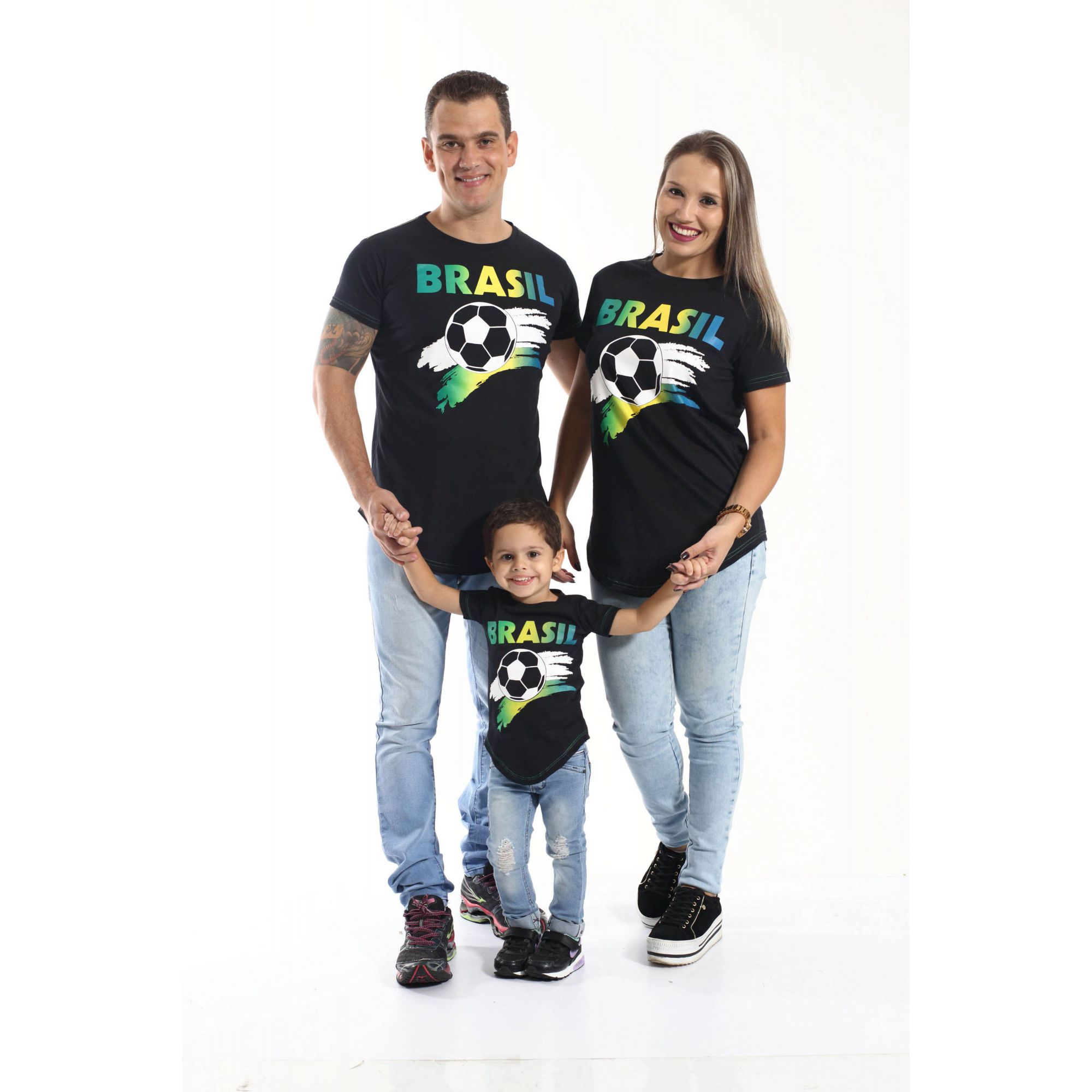 268db09ae4d34 PAIS E FILHOS   Kit 3 peças Camisetas Long Brasil Unissex  Coleção Família   ...