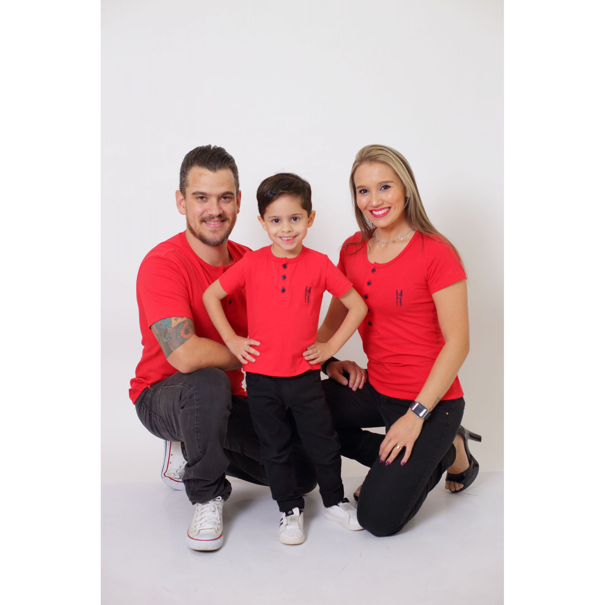 PAIS E FILHOS > Kit 3 Peças - T-Shirt ou Body Henley - Vermelho [Coleção Família]  - Heitor Fashion Brazil
