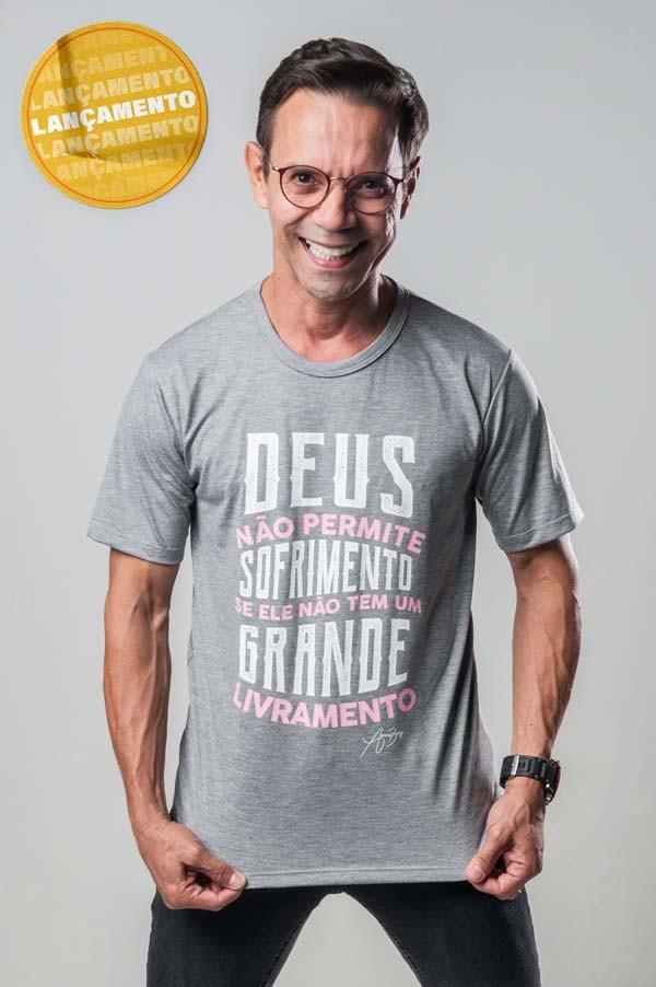 Camiseta Ref. 7027 - Deus não permite sofrimento