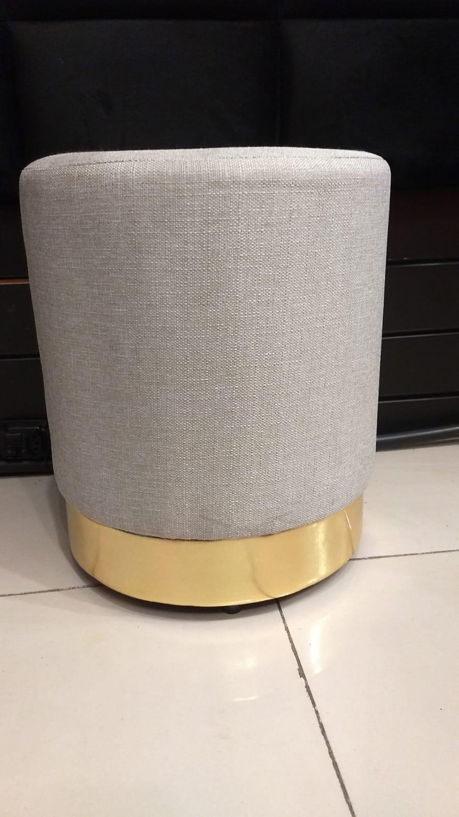 Puff GOLDEN (com base dourada)