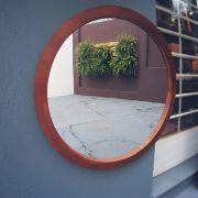 Espelho com Moldura em Pinus Tingido