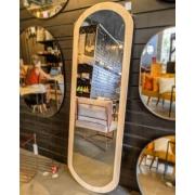 Espelho Oval com moldura em Pinus