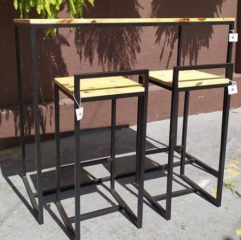 Conjunto Mesa + 2 banquetas industrial