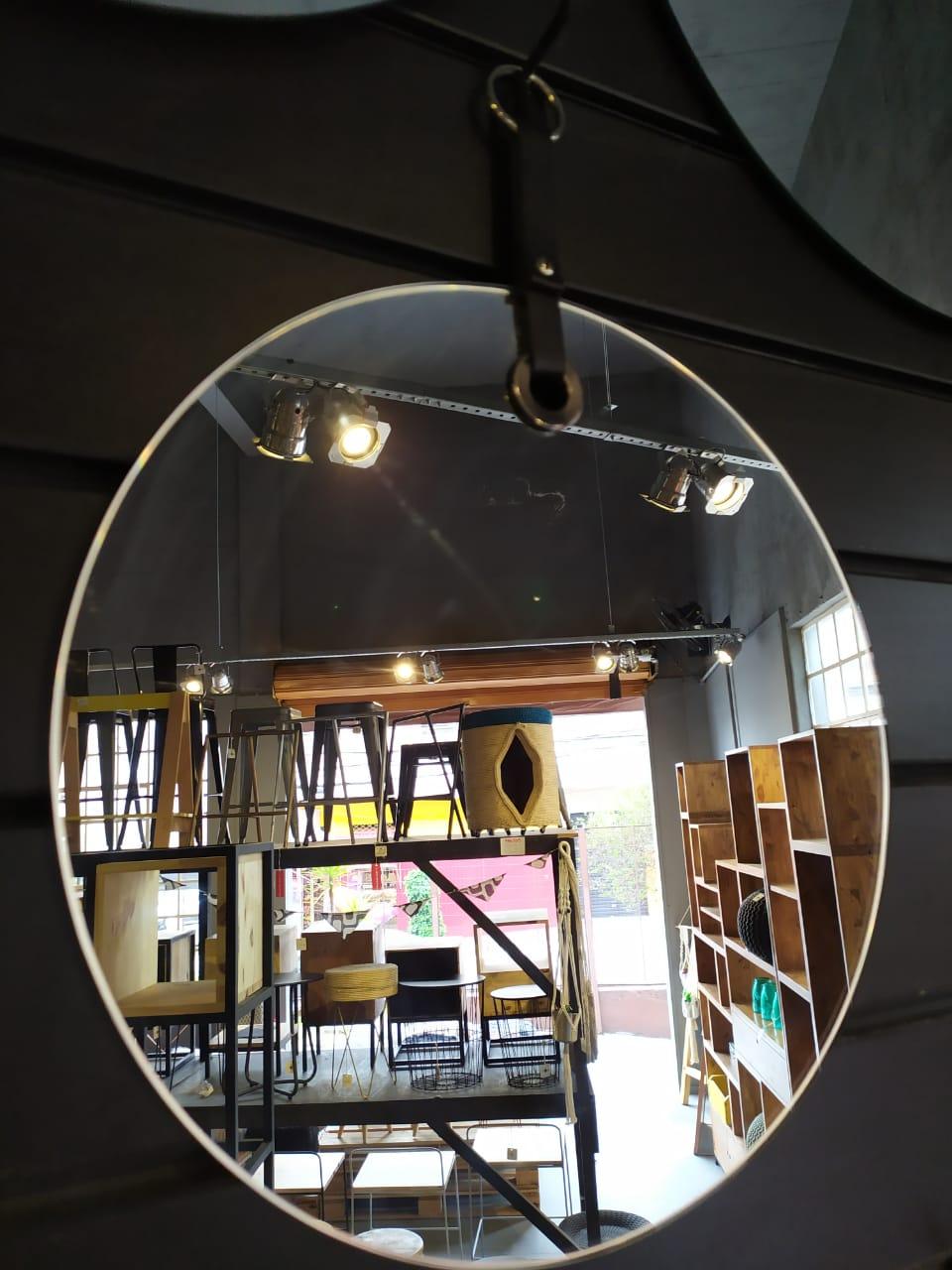 Espelho Sem Moldura com Alça de Couro Sintetico