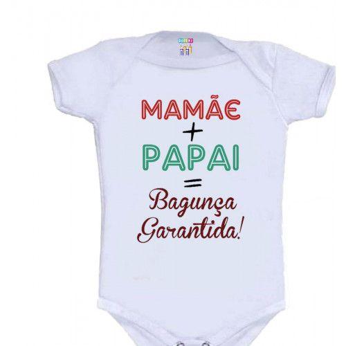 Body Personalizado M/C Mamãe + Papai = Bagunça