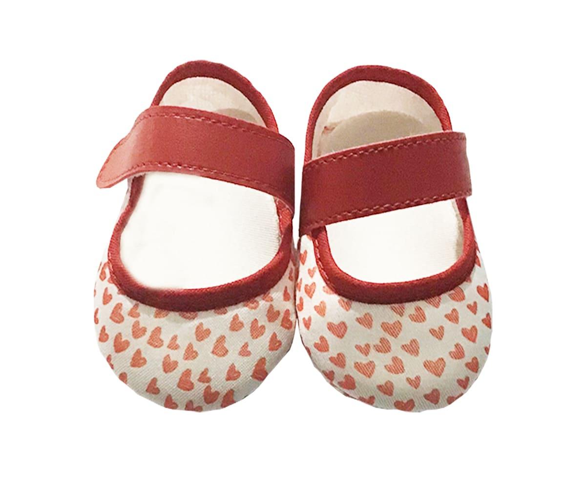 Sapatilha de Bebê Com Velcro Estampa de Corações Vermelha