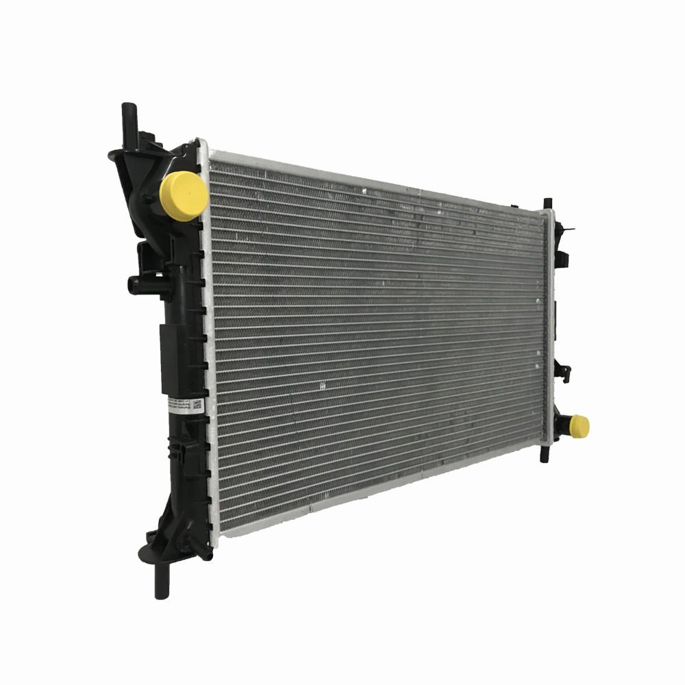 Radiador Ford Focus 1.8 2.0 16V Com Ar / Sem Ar Manual 2001 a 2008 - REACH
