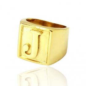 Anel com letra J (12,6g) (Banho Ouro 24K)