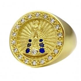 Anel Nossa Senhora Aparecida com Pedras Cravejadas em Zircônia Azuis e Brancas 7g (Banho Ouro 24k)
