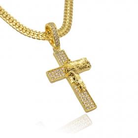 Pingente Cruz Cravejada c/ Face de Cristo (4,5cmX2,7cm) (7g) (Banho Ouro 24k)
