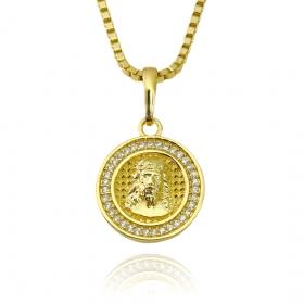 Pingente Medalha de Cristo Borda Cravejada (2,5cmX2,2cm) (Banho Ouro 24k)