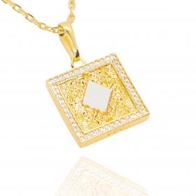 Pingente Placa Naipe de Ouros Cravejada em Zircônia (2,5cmX3,1cm) (7,5g) (Banho Ouro 24k)