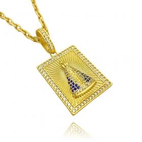 Pingente Placa Nossa Senhora Aparecida Cravejada 1 (3,6cmX2,6cm) (9,9g) (Banho Ouro 24k)
