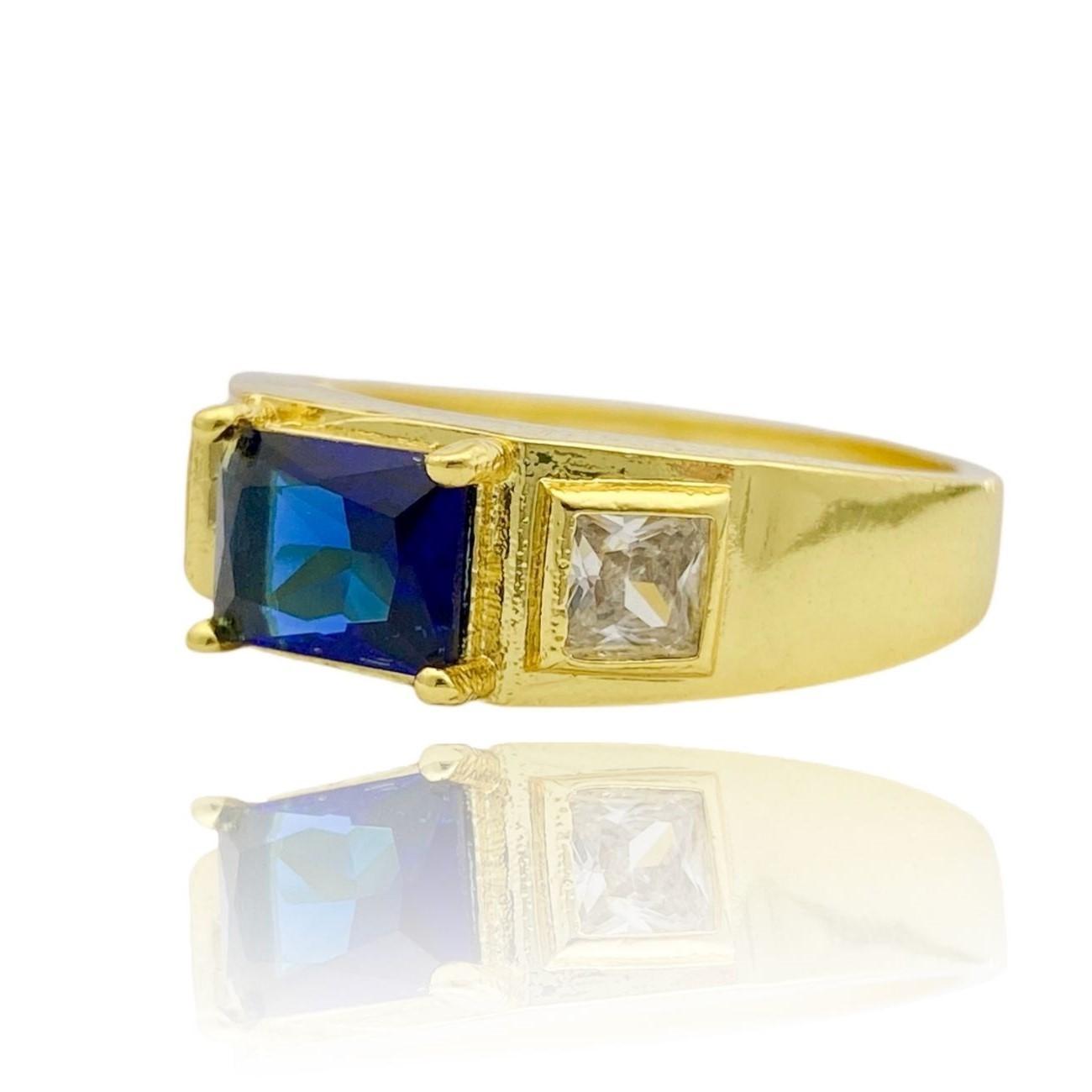 Anel Cravejado com Pedra de Zircônia Azul Central e 2 Brancas Laterais (Banho Ouro 24k)