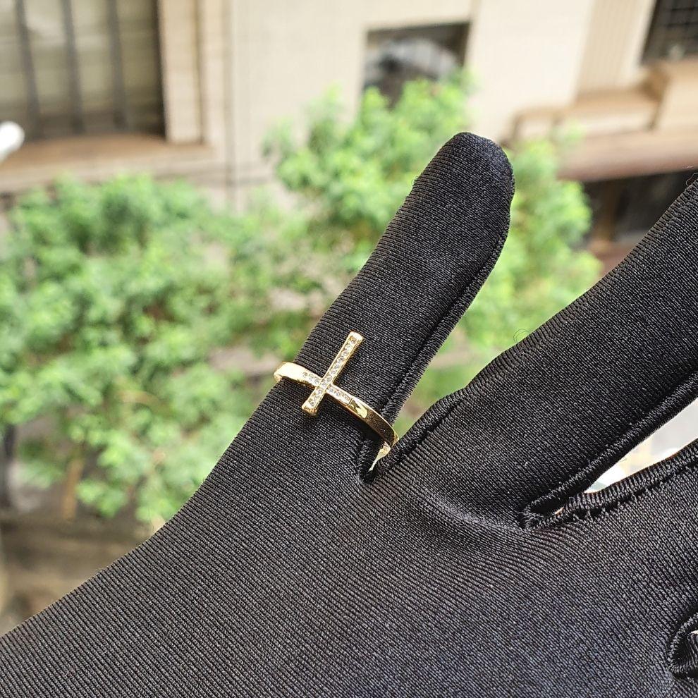Anel Cruz Vertical Cravejado em Zircônia (Banho Ouro 24k)