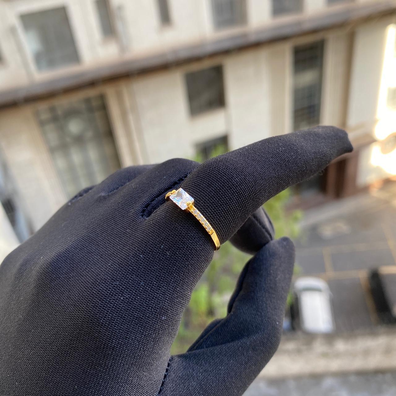 Anel Pedra Retangular Cravejado em Zircônia (Banho Ouro 24k)