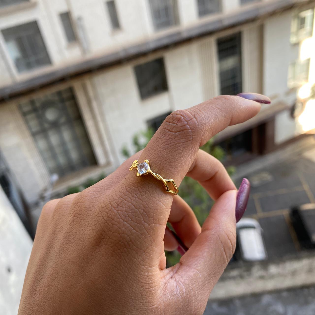 Anel Trançado Cravejado com Pedra de Zircônia (Banho Ouro 24k)