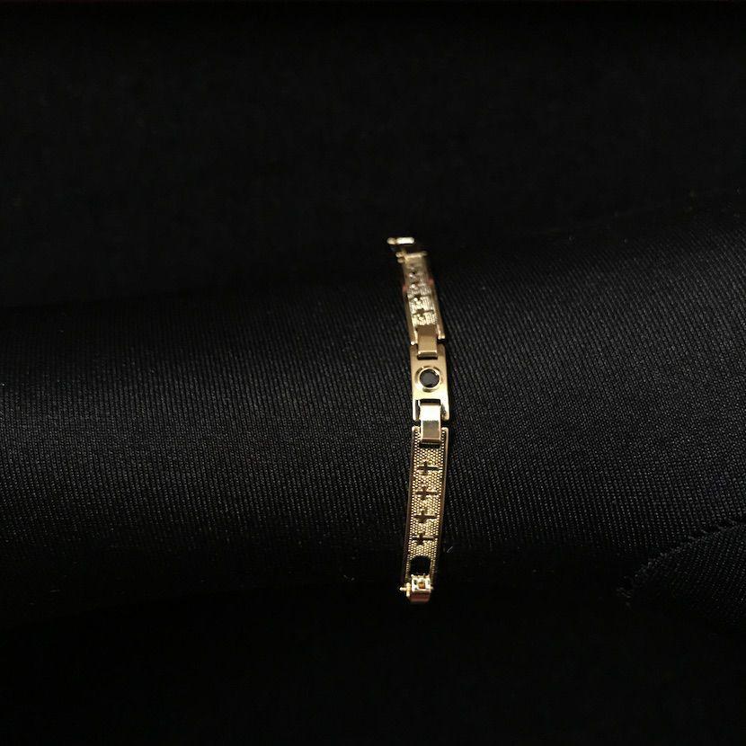 Bracelete Com Cruz e Pedra Preta de Zirônia 5mm 6g, *