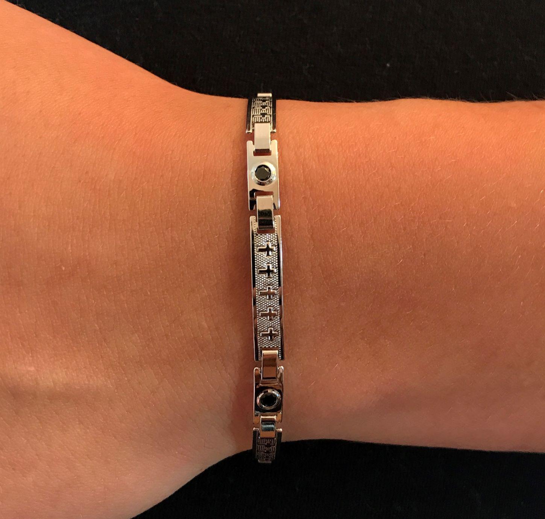 Bracelete Cruz Pedra Preta 5mm (Banho Prata 925)