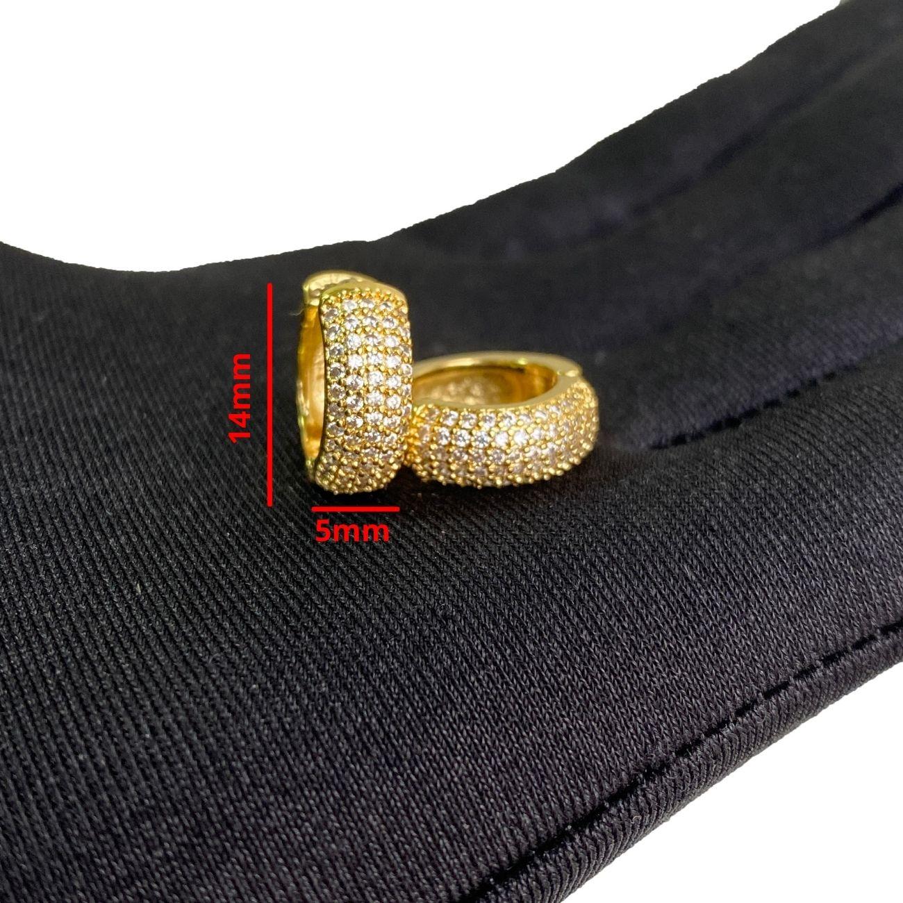Brinco Argola Cravejada em Zircônia 52 Pedras (Banho Ouro 24k)
