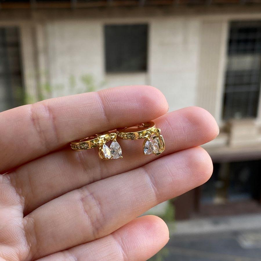 Brinco Argola Cravejada Gotas de Zircônia (Click) (Banho Ouro 24k)