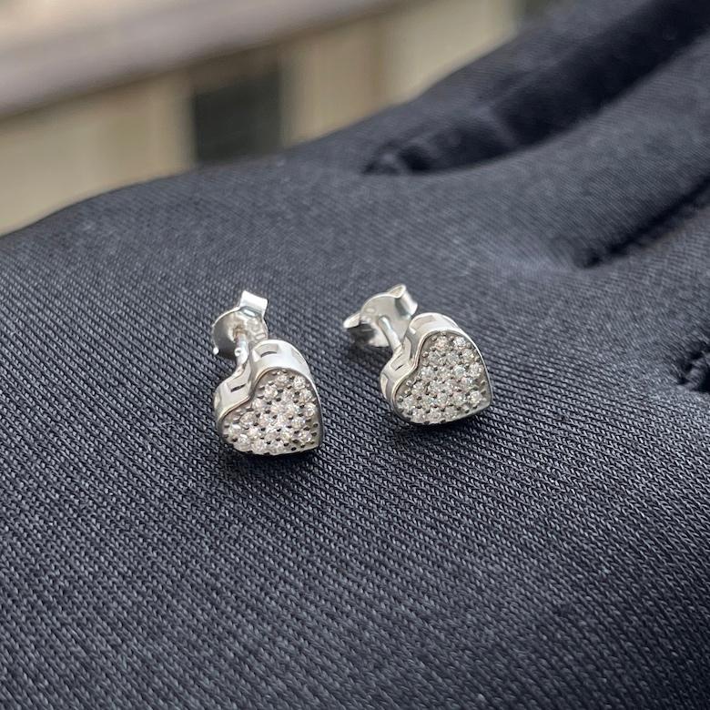 Brinco Coração Cravado com Pedras de Zircônia (Prata 925 Italiana)