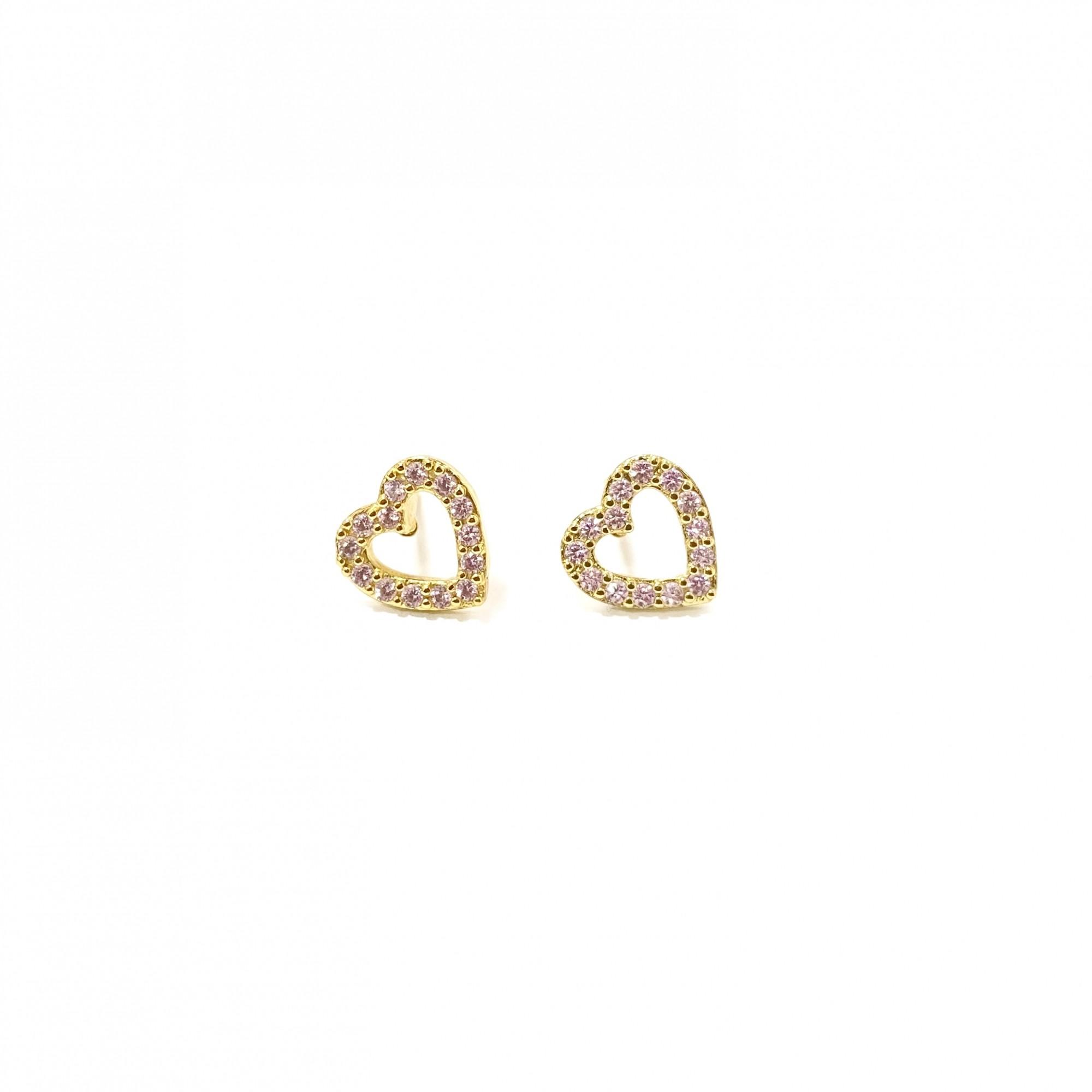 Brinco Coração Vazado Cravejado em Zircônia Rosa Claro (Banho Ouro 24K)