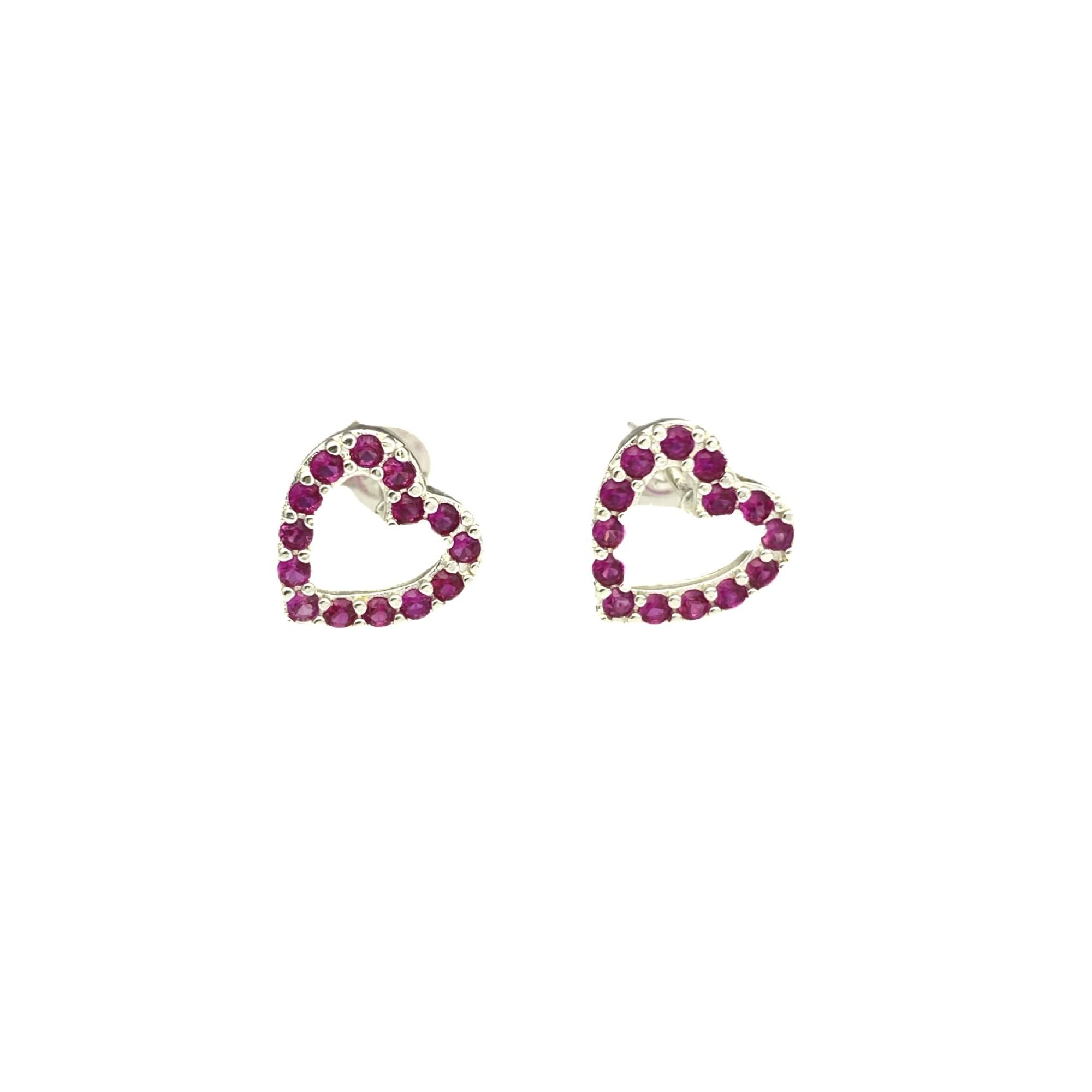 Brinco Coração Vazado em Zircônia Rosa Escuro (Banho Prata 925)