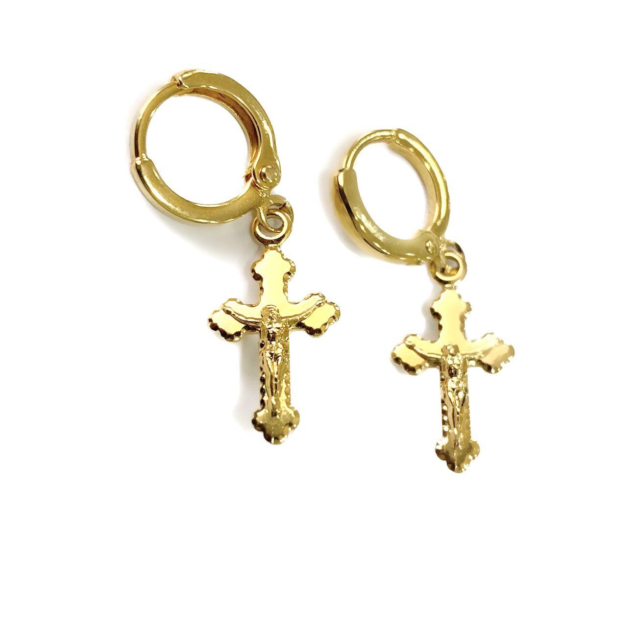 Brinco De Cruz com Cristo em Relevo (Banho Ouro 24k)