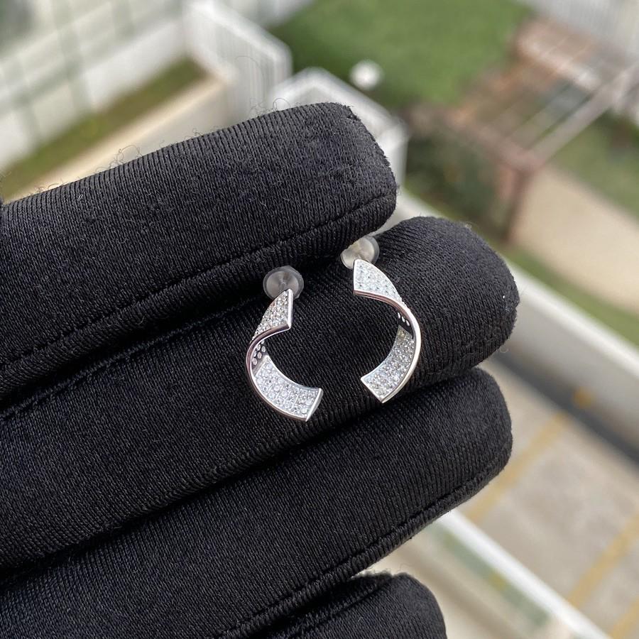 Brinco Espiral Cravejado em Zircônia (Prata 925 Italiana)