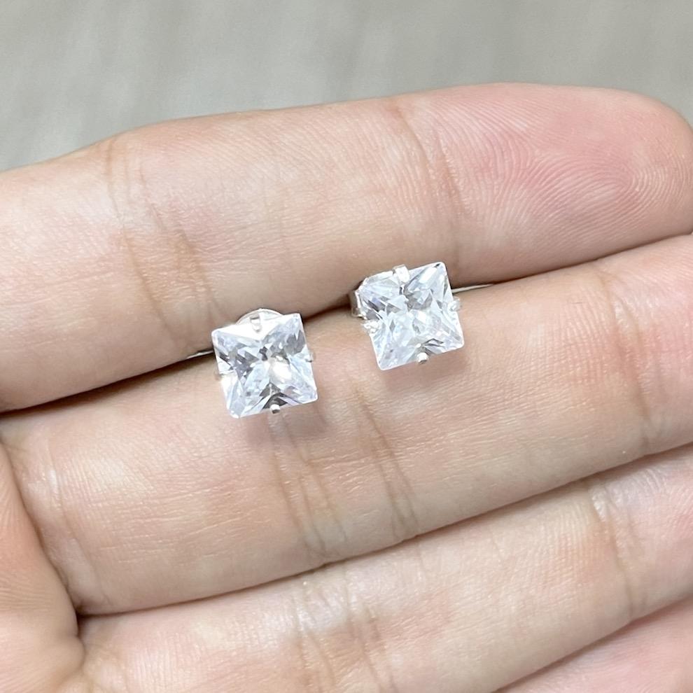 Brinco Pedra de Zircônia Quadrado (7mmX7mm) (Banho Prata 925)