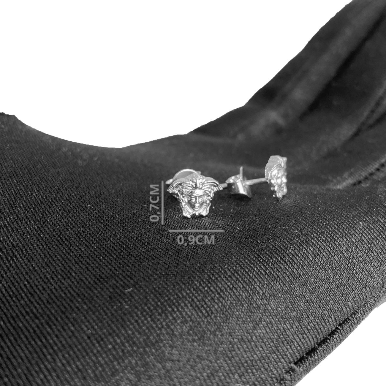 Brinco Rosto Medusa (0,7cmX0,9cm) (Banho Prata 925)