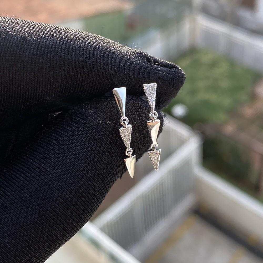 Brinco Triângulos Cravejados em Zircônia (Prata 925 Italiana)