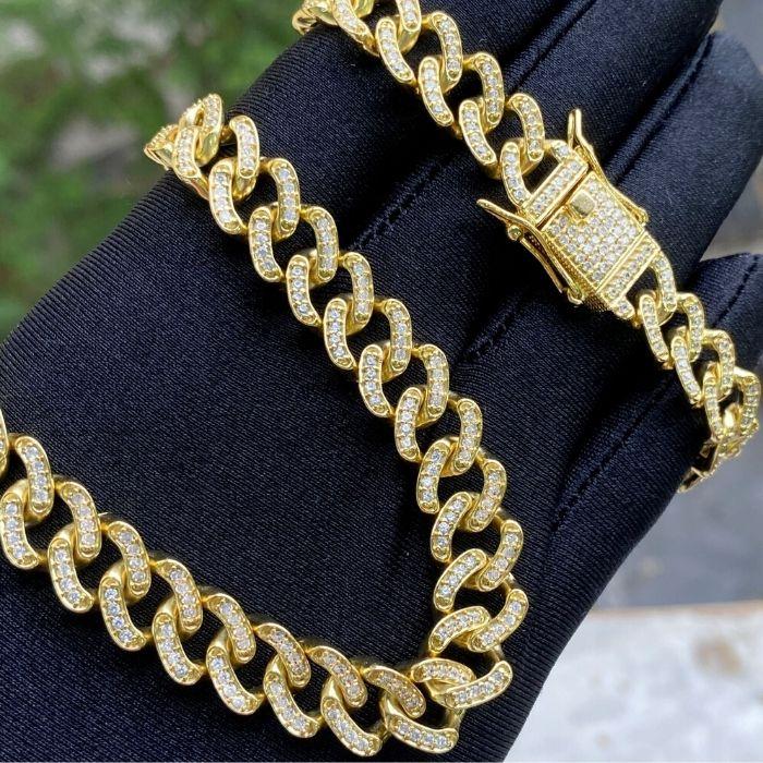 Corrente Cuban Link Grumet Cravejada em Zircônia Suíça 10mm 45cm (44g) (Banho Ouro 24k)