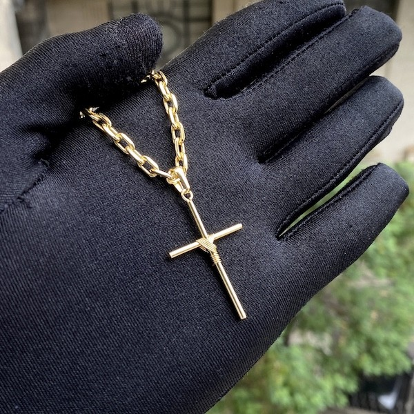 Corrente Rabo De Rato Quadrada 1,2mm 70cm + Pingente Crucifixo Trançado Mini 3cmX1,8cm (Banho De Ouro 24k)