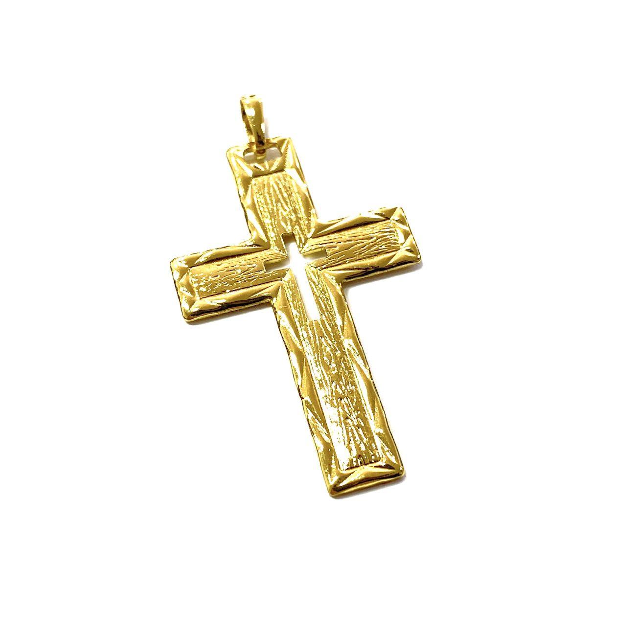 Pingente Crucifixo Vazado com Relevo 4,5cm X 2,8cm
