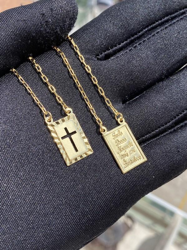 Escapulário Tudo posso + Crucifixo Vazado 70cm Carrier (Banho Ouro 24k)